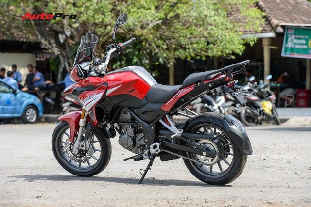 Mô tô Benelli TRK 251 ra mắt, về Việt Nam giữa năm sau với giá trên 80 triệu đồng - Ảnh 3.