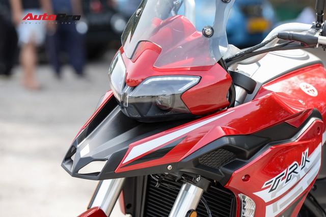 Mô tô Benelli TRK 251 ra mắt, về Việt Nam giữa năm sau với giá trên 80 triệu đồng - Ảnh 4.