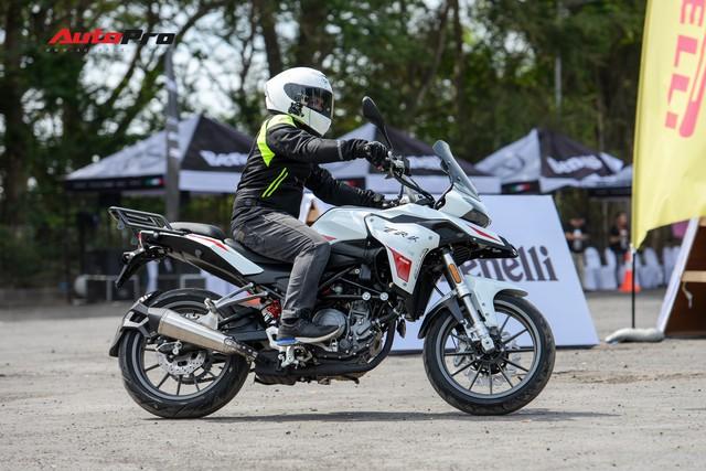 Mô tô Benelli TRK 251 ra mắt, về Việt Nam giữa năm sau với giá trên 80 triệu đồng - Ảnh 14.