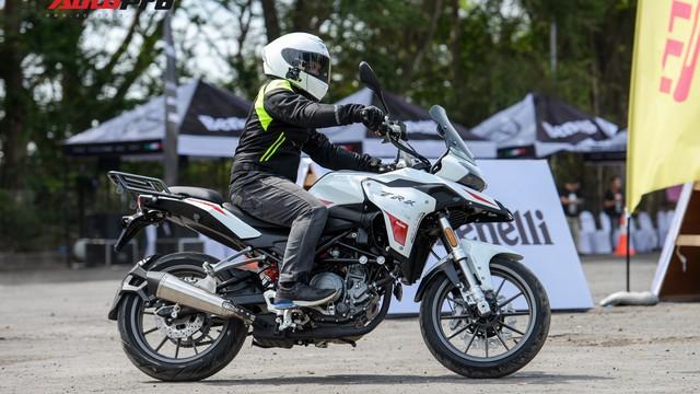 Mô tô Benelli TRK 251 ra mắt, về Việt Nam giữa năm sau với giá trên 80 triệu đồng