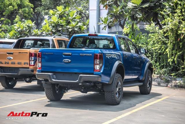 Hàng nóng Ford Ranger Raptor lộ diện trước ngày ra mắt tại Việt Nam - Ảnh 1.