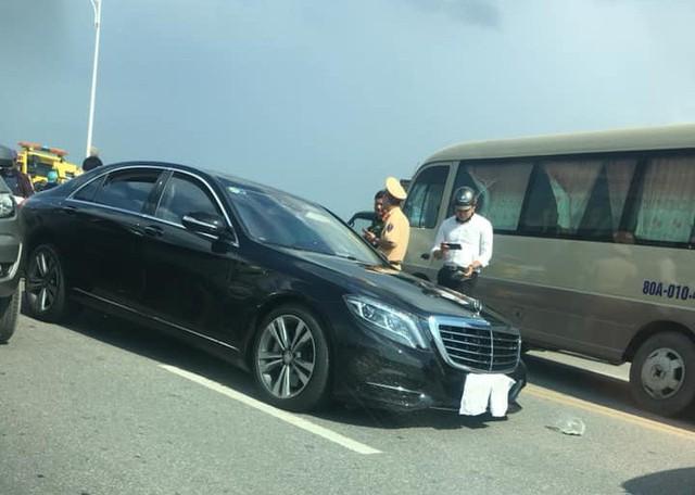 Xe sang bạc tỷ Mercedes-Benz S500 văng nguyên trục bánh sau cú va chạm mạnh với chiếc Corolla Altis ngược chiều - Ảnh 4.