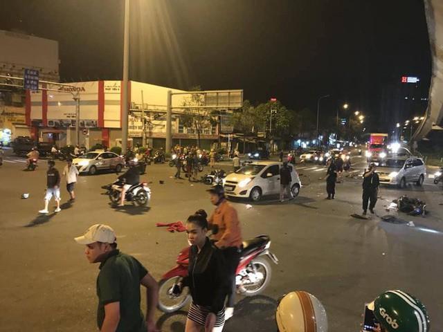Cái chết của người khác, bài viết ám ảnh sau vụ ô tô BMW tông hàng loạt xe máy ở Hàng Xanh - Ảnh 2.