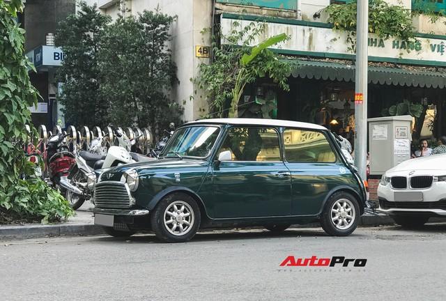 Mini cổ của Mr.Bean xuất hiện trên đường phố Việt - Ảnh 2.