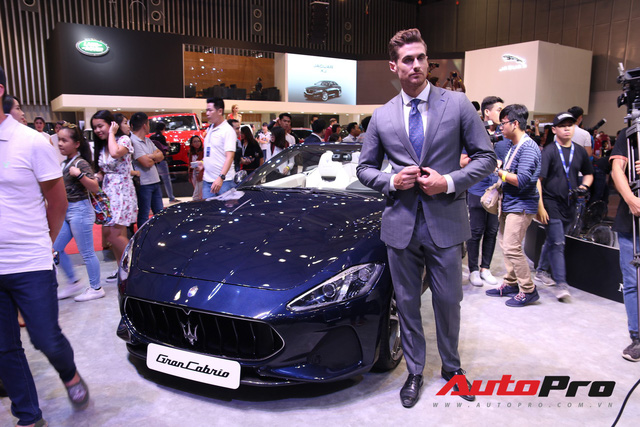 Gian hàng Maserati tại Triển lãm ô tô Việt Nam 2018: Khi sự sang trọng kết hợp yếu tố thể thao - Ảnh 1.