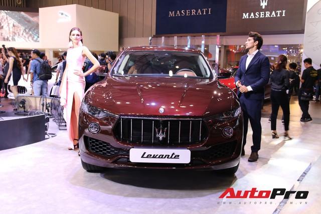 Gian hàng Maserati tại Triển lãm ô tô Việt Nam 2018: Khi sự sang trọng kết hợp yếu tố thể thao - Ảnh 2.