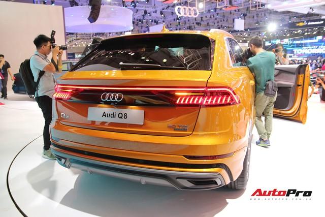 Audi Q8 - SUV đỉnh cao nhất của Audi trình diện khách hàng Việt - Ảnh 7.