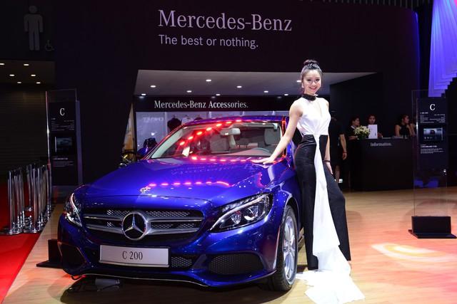 Gian hàng rộng nhất Triển lãm Ô tô Việt Nam 2018 của Mercedes-Benz có gì thú vị? - Ảnh 4.