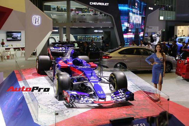 Chi tiết xe đua công thức 1 của đội đua Red Bull Toro Rosso Honda tại triển lãm VMS 2018 - Ảnh 3.