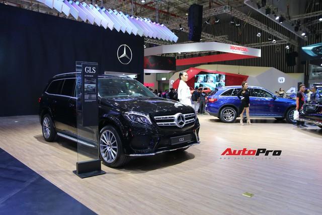 Gian hàng rộng nhất Triển lãm Ô tô Việt Nam 2018 của Mercedes-Benz có gì thú vị? - Ảnh 1.