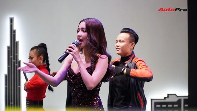 Hồ Ngọc Hà, Hồng Đăng, H'Hen Niê và hàng loạt sao Việt bên dàn xe khủng tại VMS 2018 - Ảnh 6.