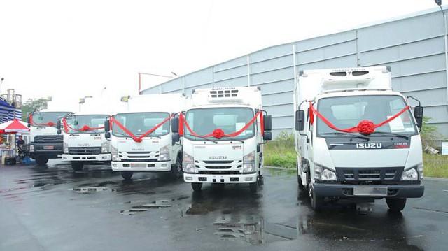 Isuzu hợp tác cùng Quyền Auto ra mắt dòng xe thùng đông lạnh cao cấp