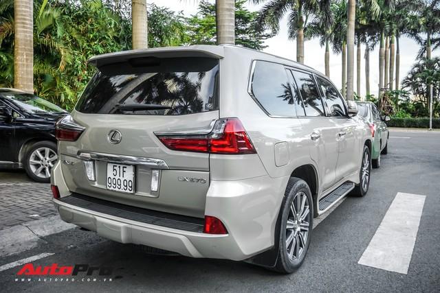 Lexus LX570 màu lạ của đại gia Sài Gòn mang biển số ngũ quý 9 - Ảnh 9.