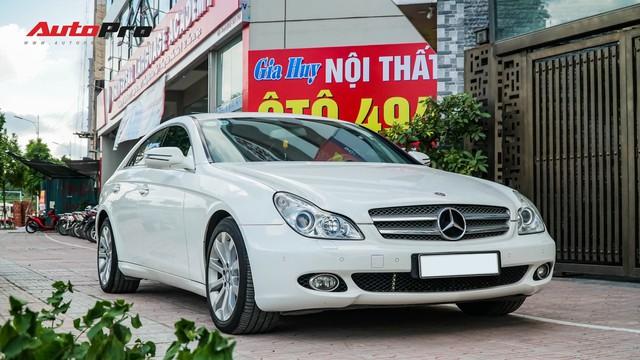 Mercedes-Benz CLS 300 cũ bán lại hơn 800 triệu đồng - Khi dân chơi có giá dân thường - Ảnh 3.