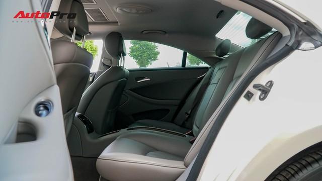 Mercedes-Benz CLS 300 cũ bán lại hơn 800 triệu đồng - Khi dân chơi có giá dân thường - Ảnh 16.