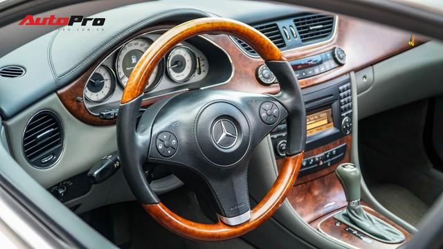 Mercedes-Benz CLS 300 cũ bán lại hơn 800 triệu đồng - Khi dân chơi có giá dân thường - Ảnh 10.