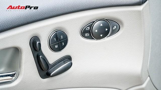Mercedes-Benz CLS 300 cũ bán lại hơn 800 triệu đồng - Khi dân chơi có giá dân thường - Ảnh 9.