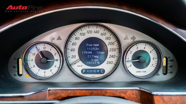 Mercedes-Benz CLS 300 cũ bán lại hơn 800 triệu đồng - Khi dân chơi có giá dân thường - Ảnh 12.