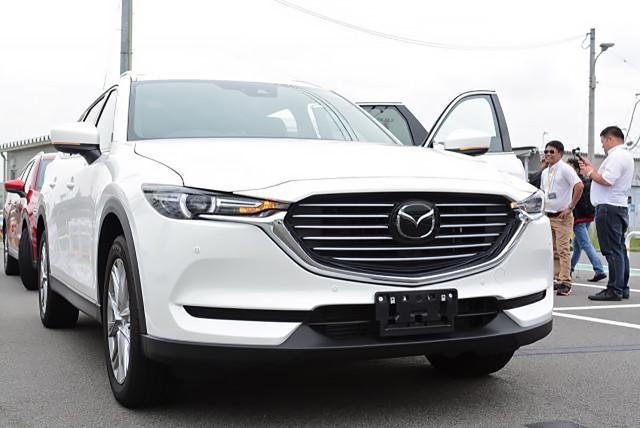 Mazda CX-8 đã được lắp ráp tại Việt Nam, chờ ngày mở bán đấu Hyundai Santa Fe - Ảnh 1.