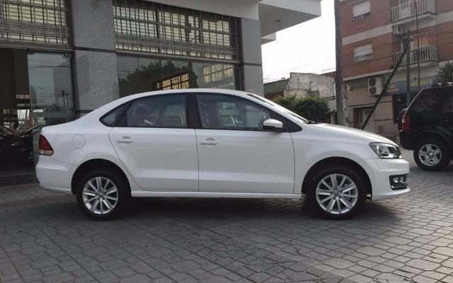VW Polo thanh lý từ 549 triệu đồng - Xe Đức cạnh tranh Toyota Vios và Honda City - Ảnh 1.