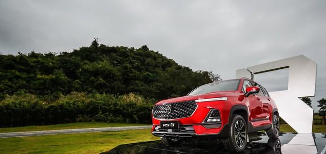 Hết nhái thiết kế, đối tác Trung Quốc của GM ra mắt xe mới nhái tên Audi - Ảnh 2.