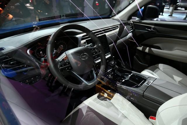 GAC GS5 - SUV Trung Quốc thiết kế sang chảnh cho người có hầu bao eo hẹp - Ảnh 2.