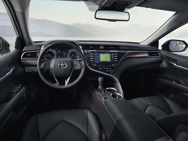 Toyota Camry đánh dấu sự trở lại Tây Âu ngoạn mục bằng phiên bản Hybrid tại cùng triển lãm với VinFast - Ảnh 4.