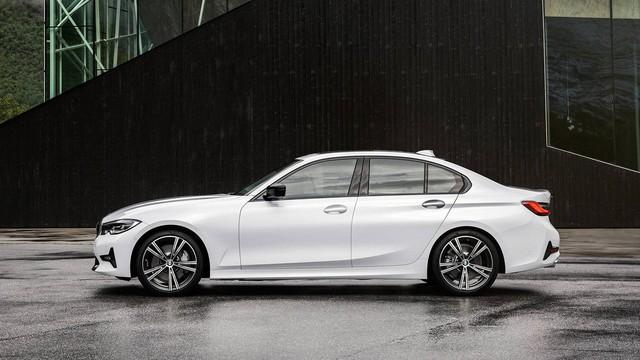 Mải mê VinFast nhưng đừng quên BMW 3-Series 2019 cũng ra mắt cách đó không xa - Ảnh 1.