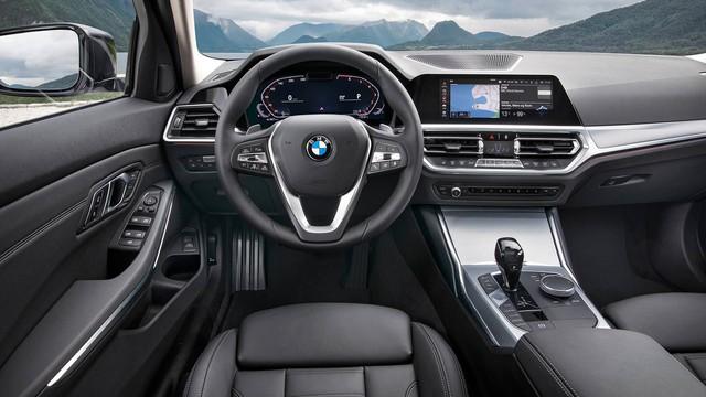 Mải mê VinFast nhưng đừng quên BMW 3-Series 2019 cũng ra mắt cách đó không xa - Ảnh 4.