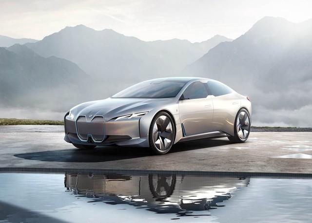 Đàn em siêu xe BMW i8 được xác nhận với tên gọi i4 - Ảnh 1.