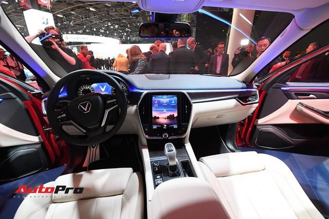 Hàng ghế thứ 3 tiết lộ VinFast LUX SA2.0 không phải SUV 7 chỗ thực sự - Ảnh 4.