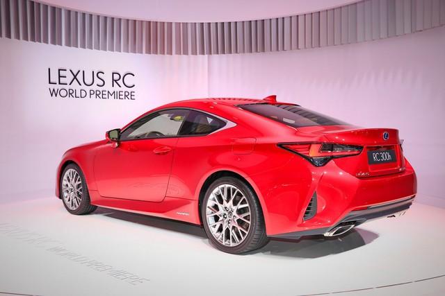 Lexus RC tiếp tục được trẻ hóa, cạnh tranh Mercedes-Benz C-Class Coupe - Ảnh 2.