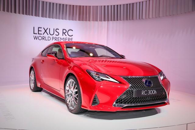 Lexus RC tiếp tục được trẻ hóa, cạnh tranh Mercedes-Benz C-Class Coupe - Ảnh 1.