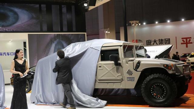 2 đại gia Mỹ xâu xé thương hiệu chế tạo Humvee, SUV đình đám Hummer liệu có được hồi sinh? - Ảnh 1.