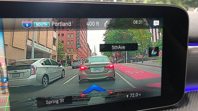 Hệ thống thông tin giải trí MBUX sẽ là trụ cột nội thất Mercedes-Benz và đây là 4 điểm mà bạn cần biết - Ảnh 4.