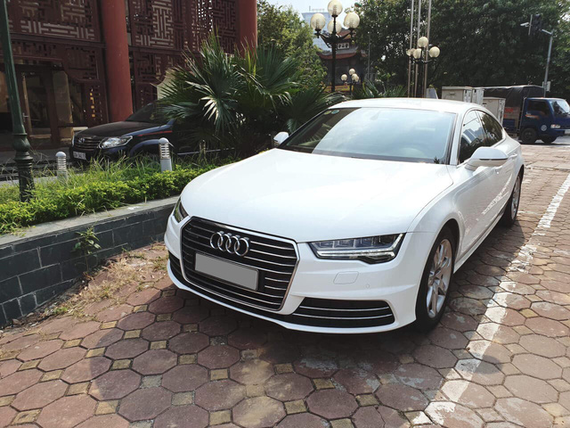 Chủ nhân Audi A7 Sportback mất gần 1 tỷ đồng sau 2 năm sử dụng - Ảnh 1.