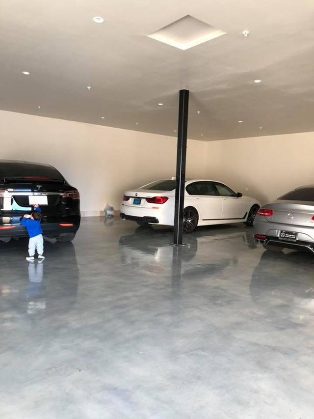 """""""Rich kid"""" chính hiệu của Vbiz : Sống trong biệt thự triệu đô, được tặng xe hơi mừng sinh nhật - Ảnh 1."""