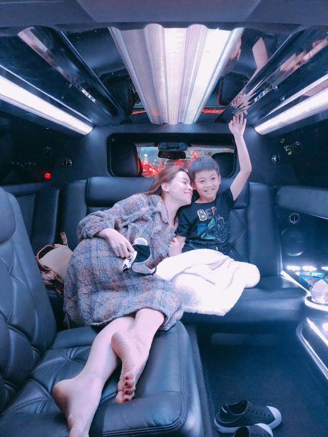 """""""Rich kid"""" chính hiệu của Vbiz : Sống trong biệt thự triệu đô, được tặng xe hơi mừng sinh nhật - Ảnh 18."""