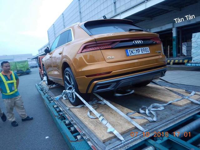 Audi Q8 bất ngờ xuất hiện tại cảng Việt Nam, sẵn sàng cho ngày ra mắt - Ảnh 1.