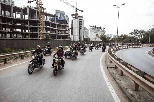500 quý ông, quý bà biker cùng 400 mô tô khuấy động Hà Nội - Ảnh 5.
