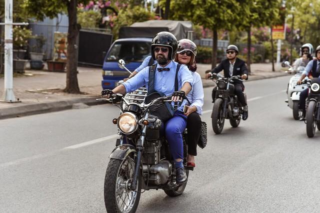 500 quý ông, quý bà biker cùng 400 mô tô khuấy động Hà Nội - Ảnh 12.