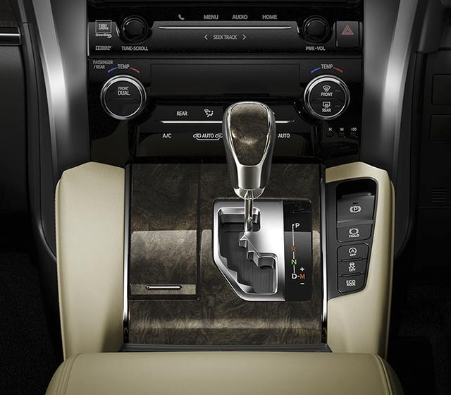 Chuyên cơ mặt đất Toyota Alphard nâng cấp tại Việt Nam, giá tăng hơn 500 triệu đồng - Ảnh 11.