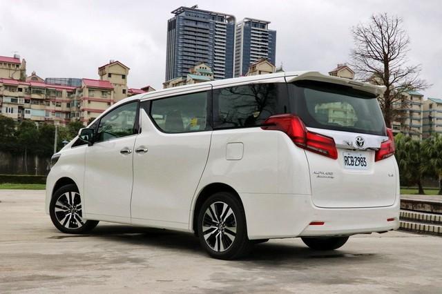 Chuyên cơ mặt đất Toyota Alphard nâng cấp tại Việt Nam, giá tăng hơn 500 triệu đồng - Ảnh 7.
