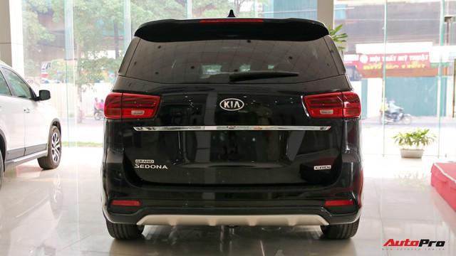"""Cùng tầm tiền 1,1 tỷ đồng, chọn Ford Tourneo """"full option"""" hay Kia Sedona tiêu chuẩn? - Ảnh 6."""