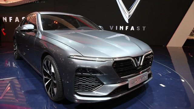 VinFast tuyển đại lý ô tô tại vị trí đắc địa, bán xe từ năm sau