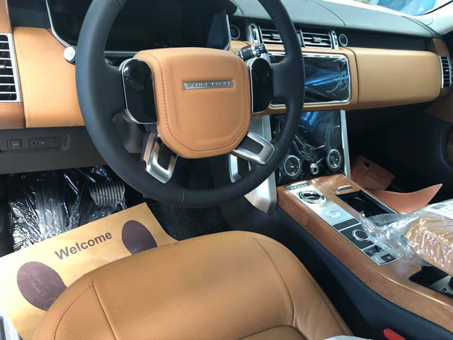 Range Rover Autobiography LWB 2018 chính hãng đầu tiên về Việt Nam, giá dự kiến hơn 11 tỷ đồng - Ảnh 3.