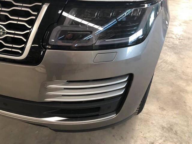 Range Rover Autobiography LWB 2018 chính hãng đầu tiên về Việt Nam, giá dự kiến hơn 11 tỷ đồng - Ảnh 1.