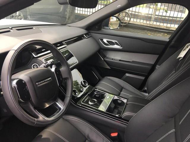 """Range Rover Velar 2018 chính hãng """"ngập kho"""" với đa dạng phiên bản - Ảnh 2."""