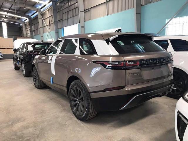 """Range Rover Velar 2018 chính hãng """"ngập kho"""" với đa dạng phiên bản - Ảnh 4."""