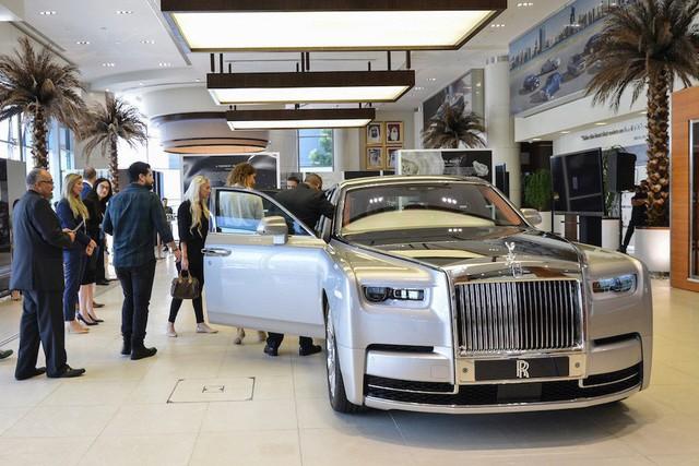Rolls-Royce Phantom VIII đầu tiên Việt Nam sắp xuất hiện - Ảnh 2.
